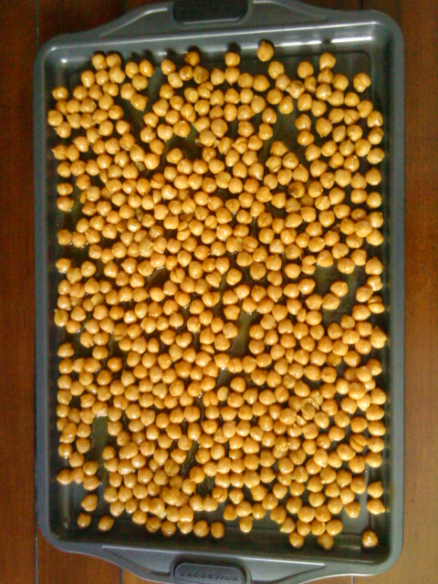 Chickpeas on baking tray.